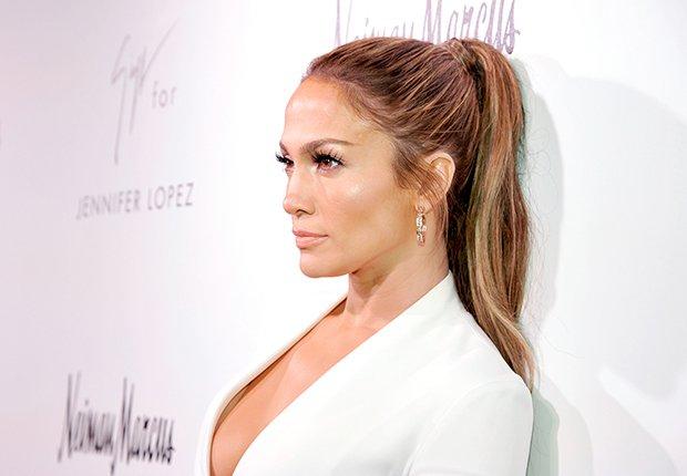 Peinados que no pasan de moda como el corte cola de caballo de Jennifer López