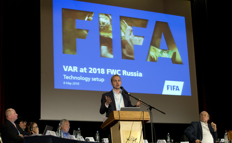 El alemán Johannes Holzmueller, director de tecnología de la FIFA