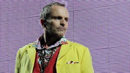 El cantante español Miguel Bosé en 'Papito Tour' su concierto en Marbella el 3 de agosto de 2012 en Marbella, España.