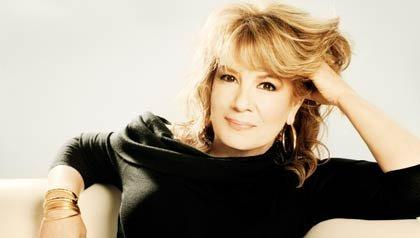 La cantante Vikki Carr