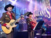 Tucanes de Tijuana en el escenario - la música tradicional mexicana en los Grammy Latinos