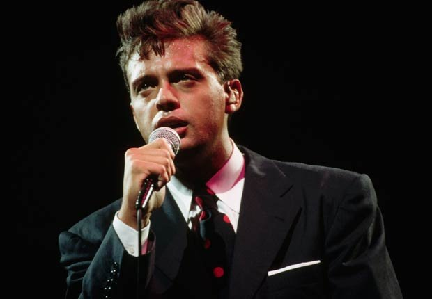 Luis Miguel cantando, 1994.