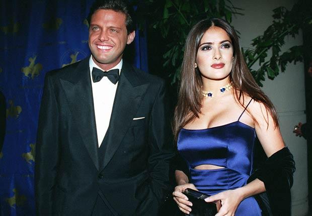 Luis Miguel y Salma Hayek llegan a la gala Carrusel de la Esperanza en el Hotel Beverly Hills en Beverly Hills, California.