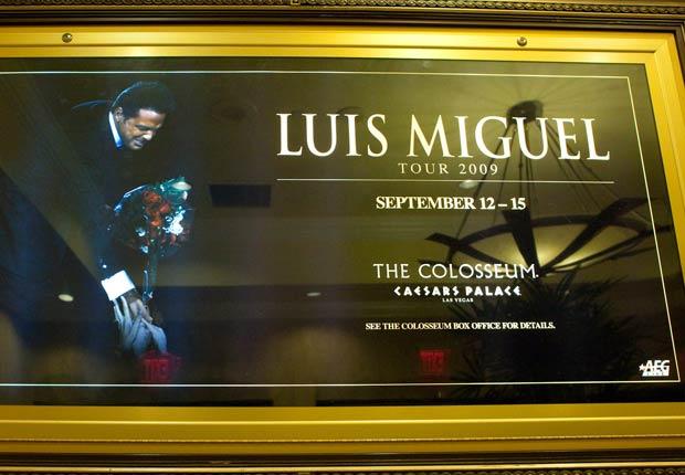 Luis Miguel se presenta en el Hotel Caesars Palace en La Vegas, Nevada el 12 de septiembre de 2009.