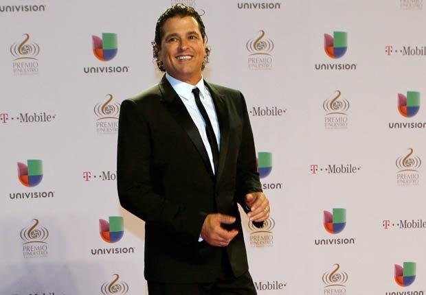 La gala de Premio Lo Nuestro 2013 concluyó con la presentación de Carlos Vives.
