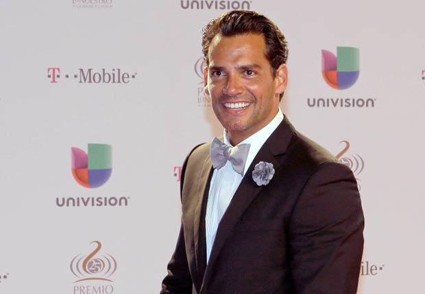 El actor chileno Cristian de la Fuente en la alfombra de Premio Lo Nuestro 2013.