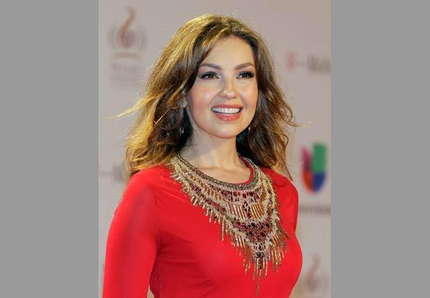La artista mexicana cantó junto a Prince Royce mientras se contoneaba al compás de su sencillo 'Te perdiste mi amor', en Premio Lo Nuestro.