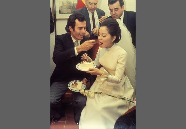 Boda del cantante Julio Iglesias con su primera esposa Isabel Preysler.
