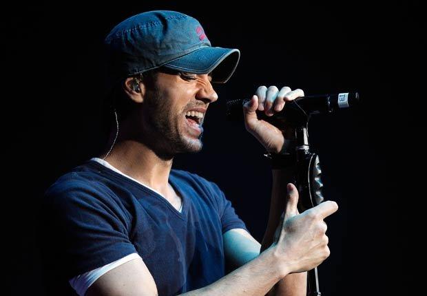 Enrique Iglesias se presenta en el estadio Philips Arena el 12 de diciembre de 2012 en Atlanta.