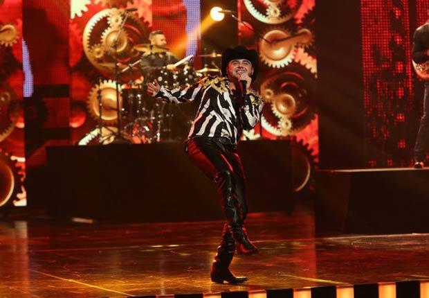 Gerardo Ortiz - El cantante de corridos ganó un total de cuatro premios: artista masculino del año, artista del año en temas, artista norteño del año y álbum norteño del año por