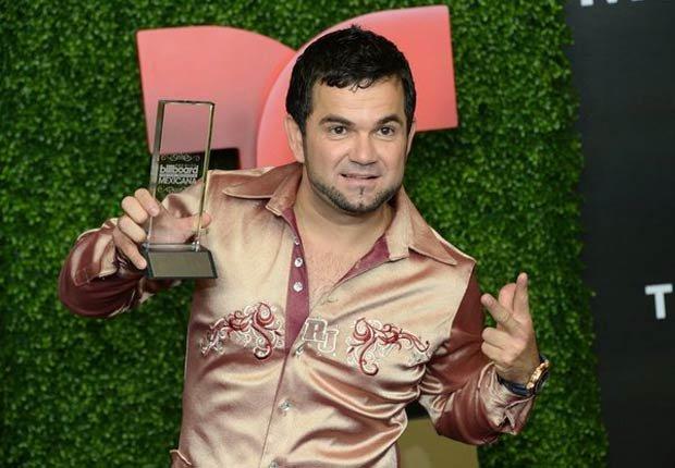 Roberto Jr - El galardón a mejor nuevo artista fue para Roberto Junior y su Bandeño.