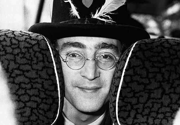 John Lennon durante el rodaje de la película Magical Mystery Tour, Beatlemania.