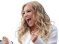 Entrevista sobre la carrera de Thalía, obras de caridad y el álbum de los nuevos niños.