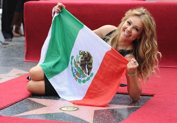 Thalia es honrado con una estrella en el Hollywood Walk of Fame. Thalia a través de los años.