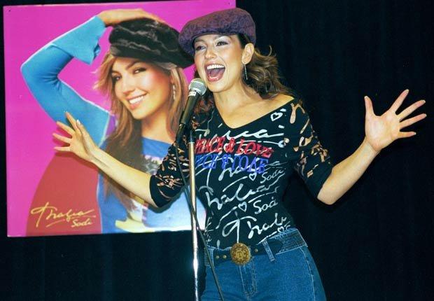 Thalia lanzamiento de su línea de ropa. Thalia a través de los años.