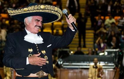Vicente Fernández - Artistas con más de 70 años
