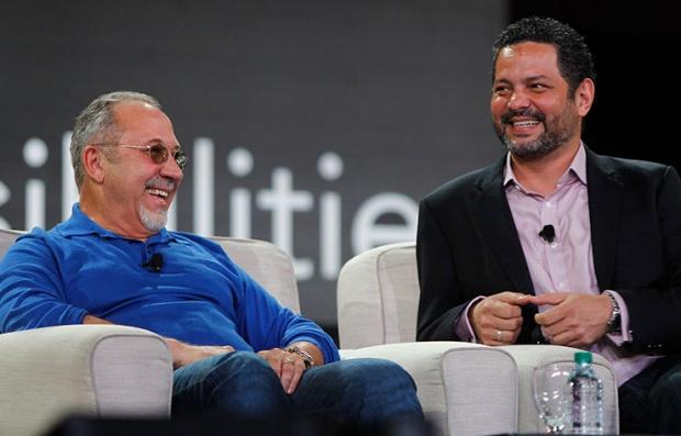 Emilio Estefan y Alexander Dinelaris Jr., creadores del musical On Your Feet