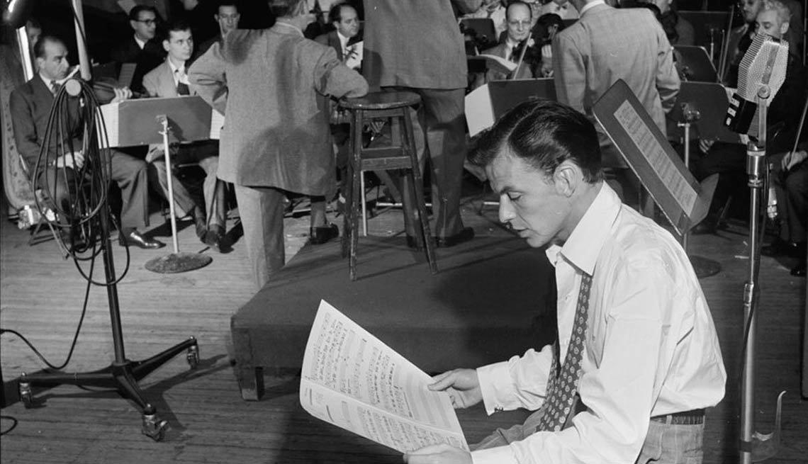 item 4 of Gallery image - Frank Sinatra y Axel Stordahl, en Liederkrantz Hall, New York - 100 años de su natalicio