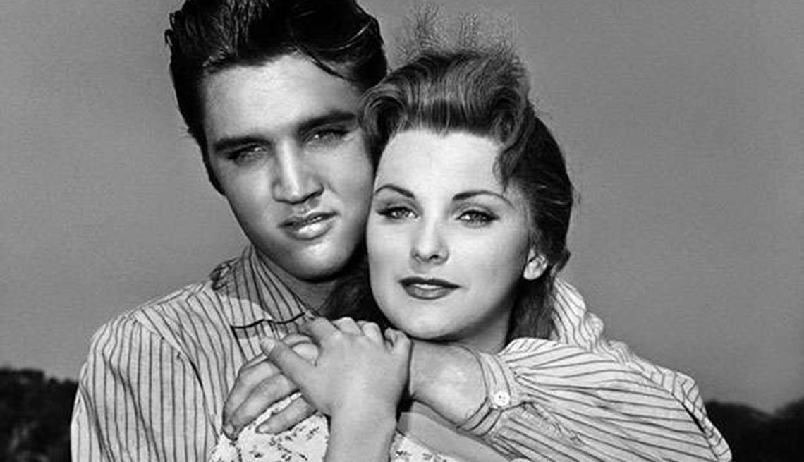 Grandes hitos en la vida y carrera de Elvis Presley - 1956, en una escena de Love Me Tender