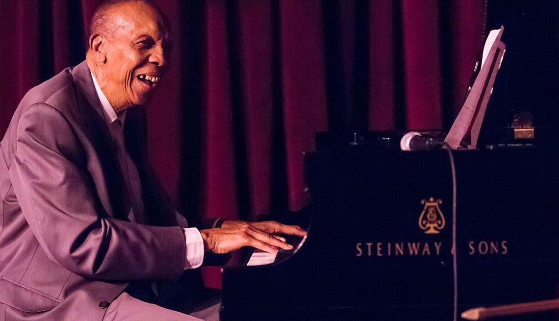 Joyas de la música cubana - Bebo Valdés y Sabor de Cuba: 'La cadena santiaguera' (con Omara Portuondo)
