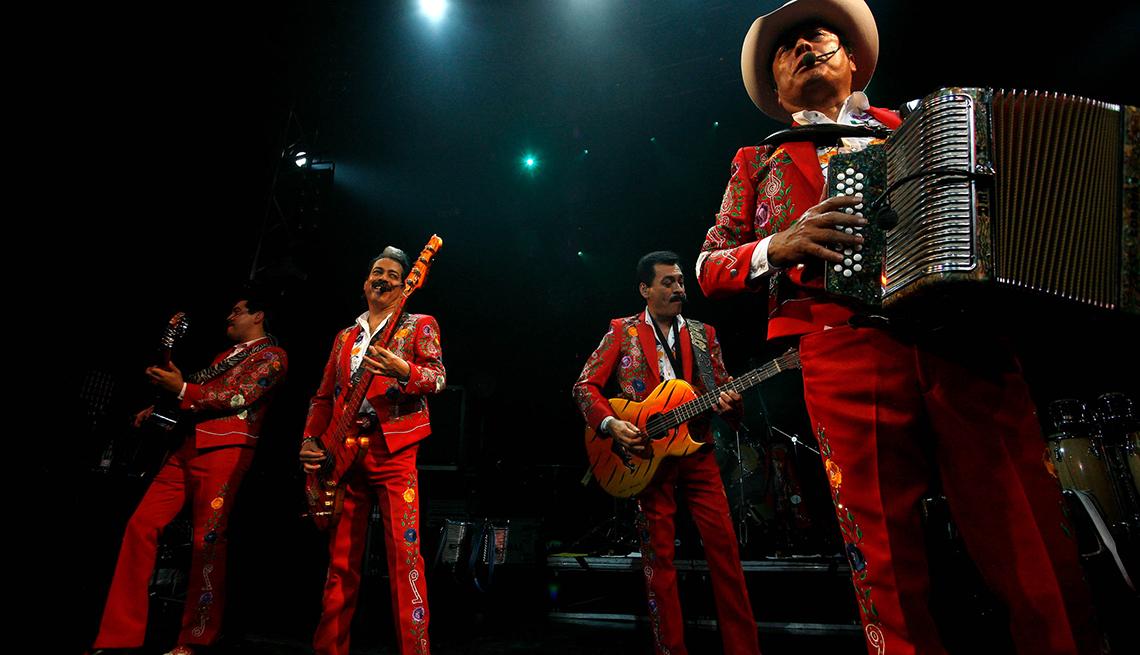 item 1 of Gallery image - Los Tigres del Norte - 10 Clásicos de la música regional mexicana