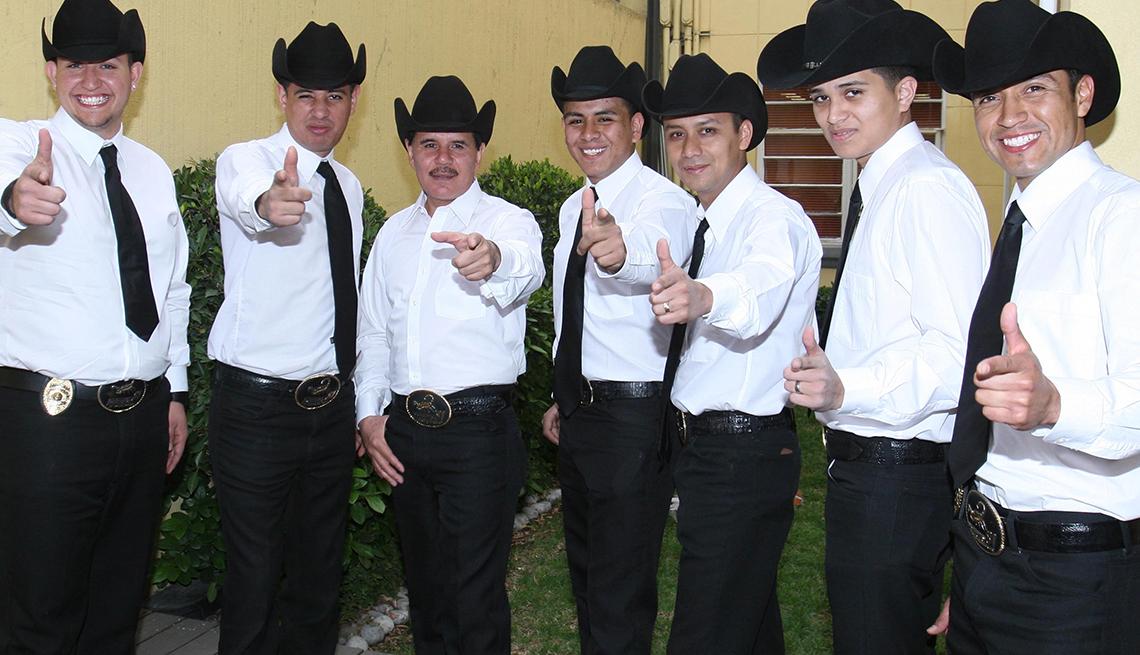 item 9 of Gallery image - Patrulla 81 - 10 Clásicos de la música regional mexicana
