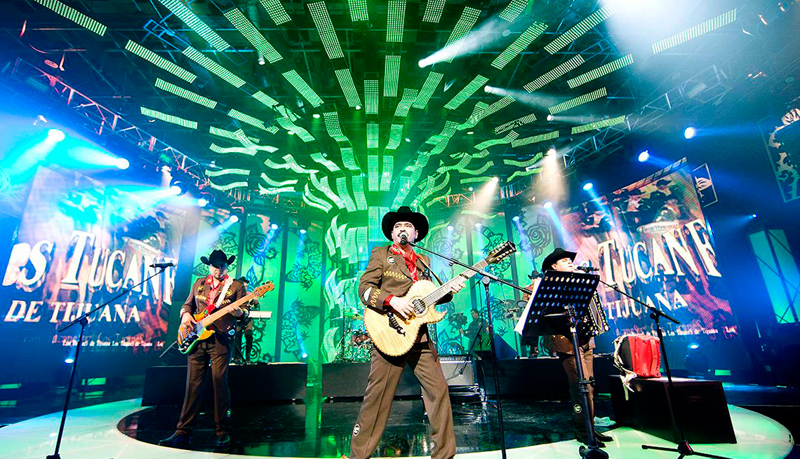 item 2 of Gallery image - Los Tucanes de Tijuana - 10 Clásicos de la música regional mexicana