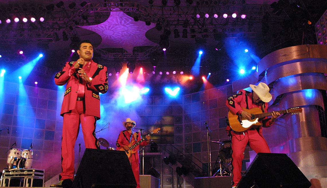 item 4 of Gallery image - Conjunto Primavera - 10 Clásicos de la música regional mexicana