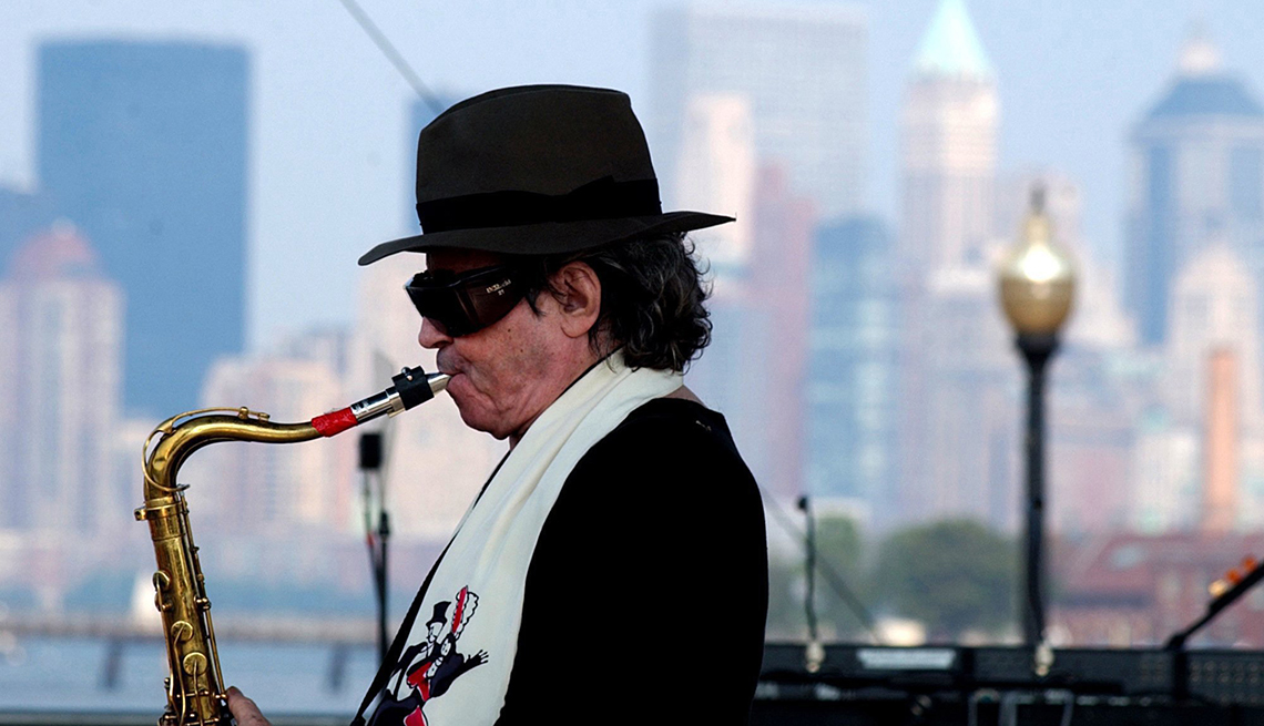 item 6 of Gallery image - Gato Barbieri - Grandes del jazz latino