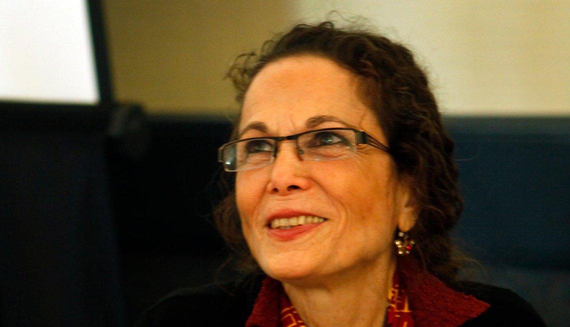 Retrato de la escritora Julia Alvarez