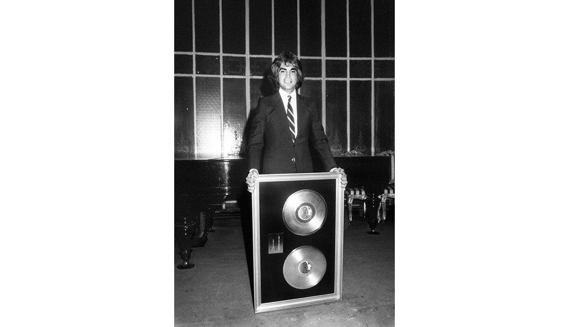 José Luis Rodríguez, El Puma. Un recorrido a la carrera del cantante venezolano. Madrid, 1982