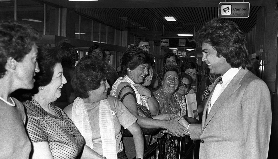 item 3 of Gallery image - José Luis Rodríguez, El Puma. Un recorrido a la carrera del cantante venezolano. Madrid, 1983