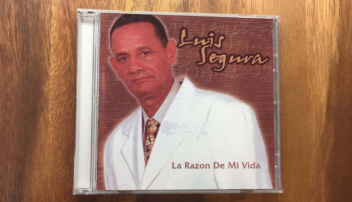item 2 of Gallery image - Portada del disco Luis Segura - Bachatas clásicas