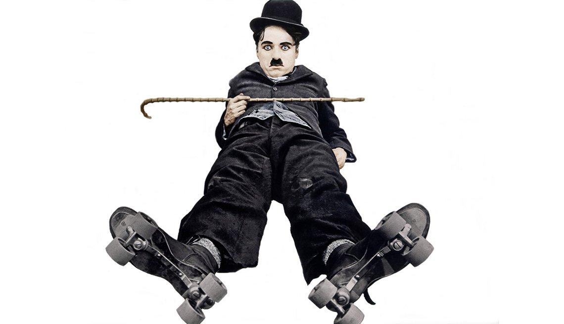 Charlie Chaplin en una escena de la película The Rink