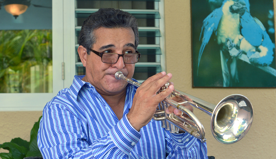 item 4 of Gallery image - Luis Perico Ortiz - Canciones para los amantes del café