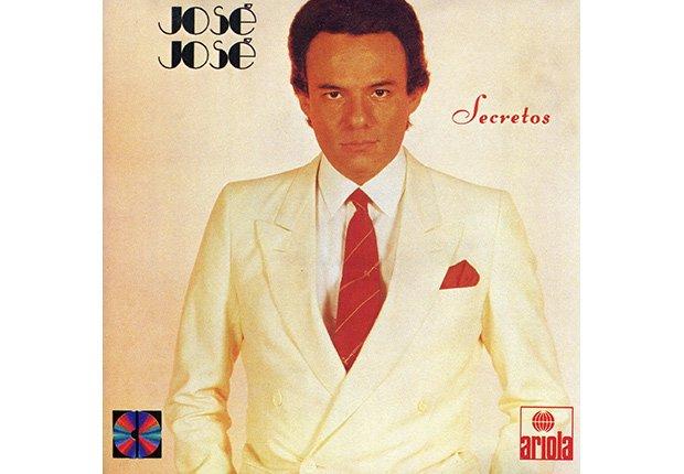 Portada del disco, Secretos de José José, su carrera en fotos