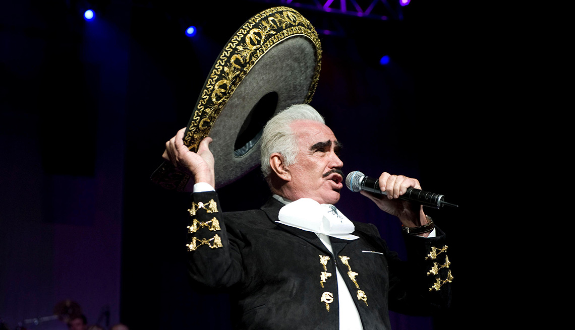 item 3 of Gallery image - Vicente Fernández, una de las Personas del año del Latin Grammy