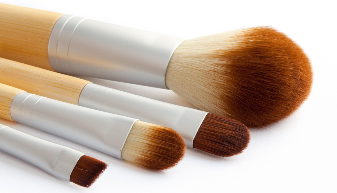 Four main beauty brushes