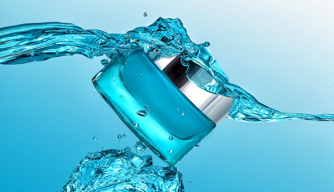 item 4 of Gallery image - Lock in water