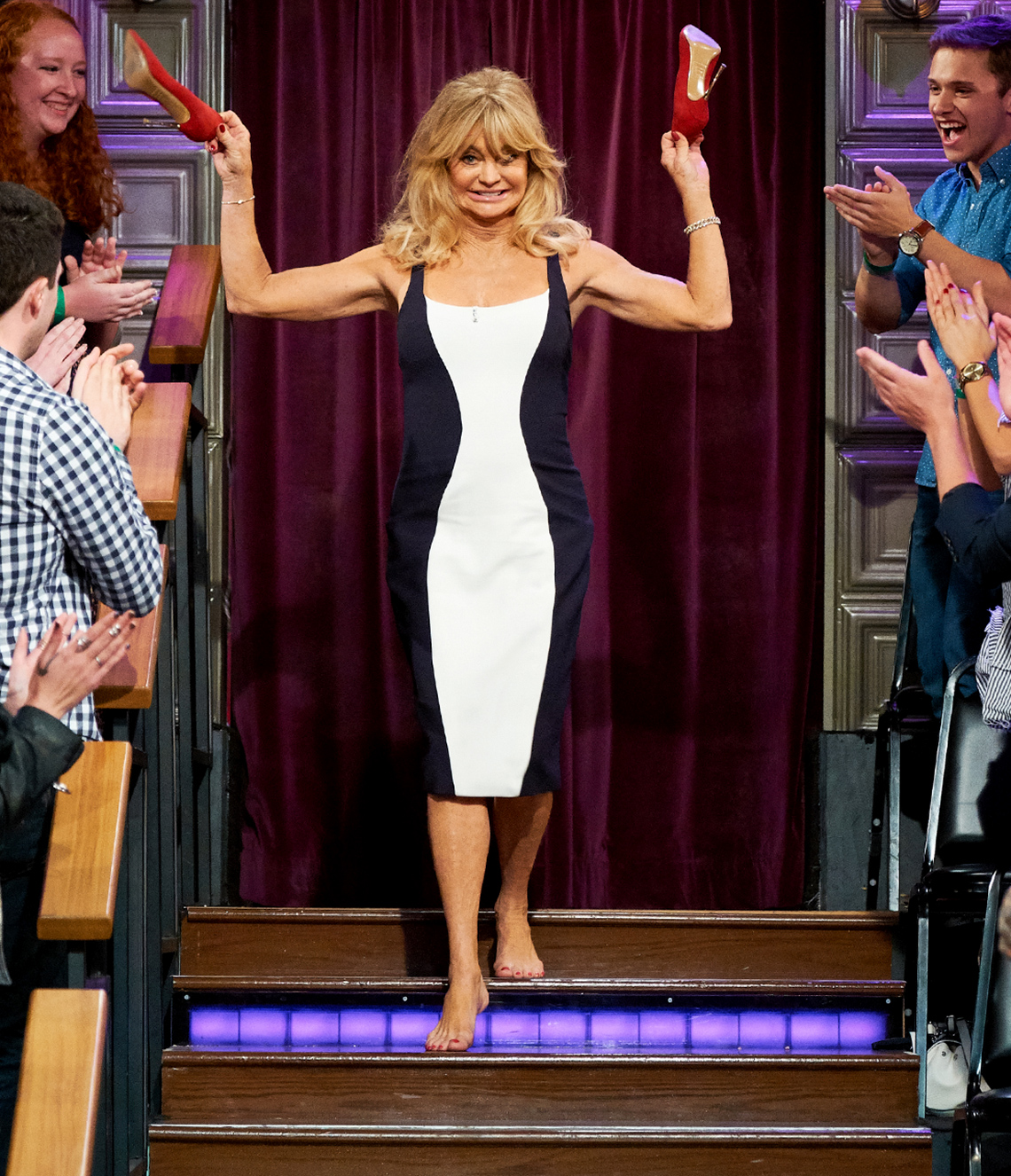 item 6 of Gallery image - Goldie Hawn in a color block dress