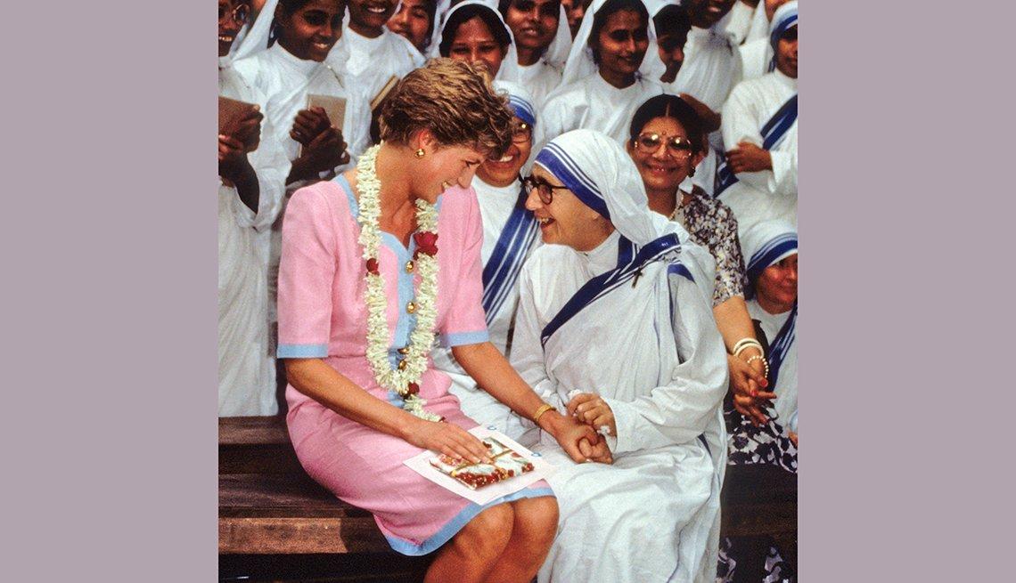 Diana y la Madre Teresa de Calcuta, recordando a la Princesa de Gales