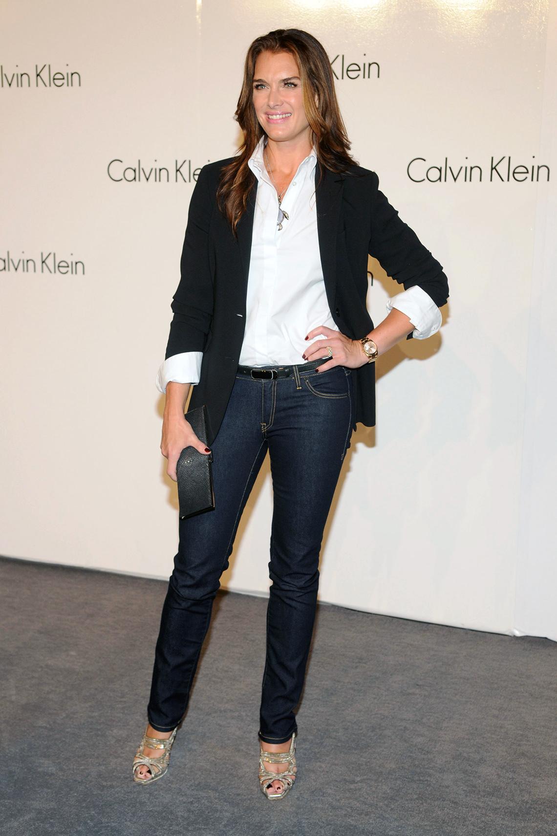 item 3 of Gallery image - Brooke Shields usando jeans