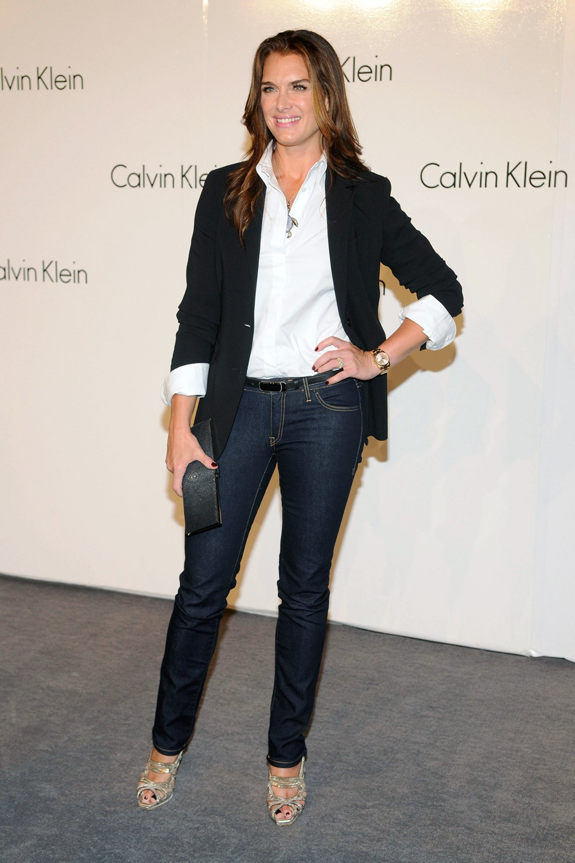 item 3, Gallery image. Brooke Shields usando jeans.