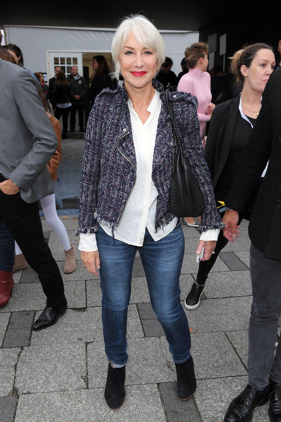 item 6, Gallery image. Helen Mirren usando jeans.