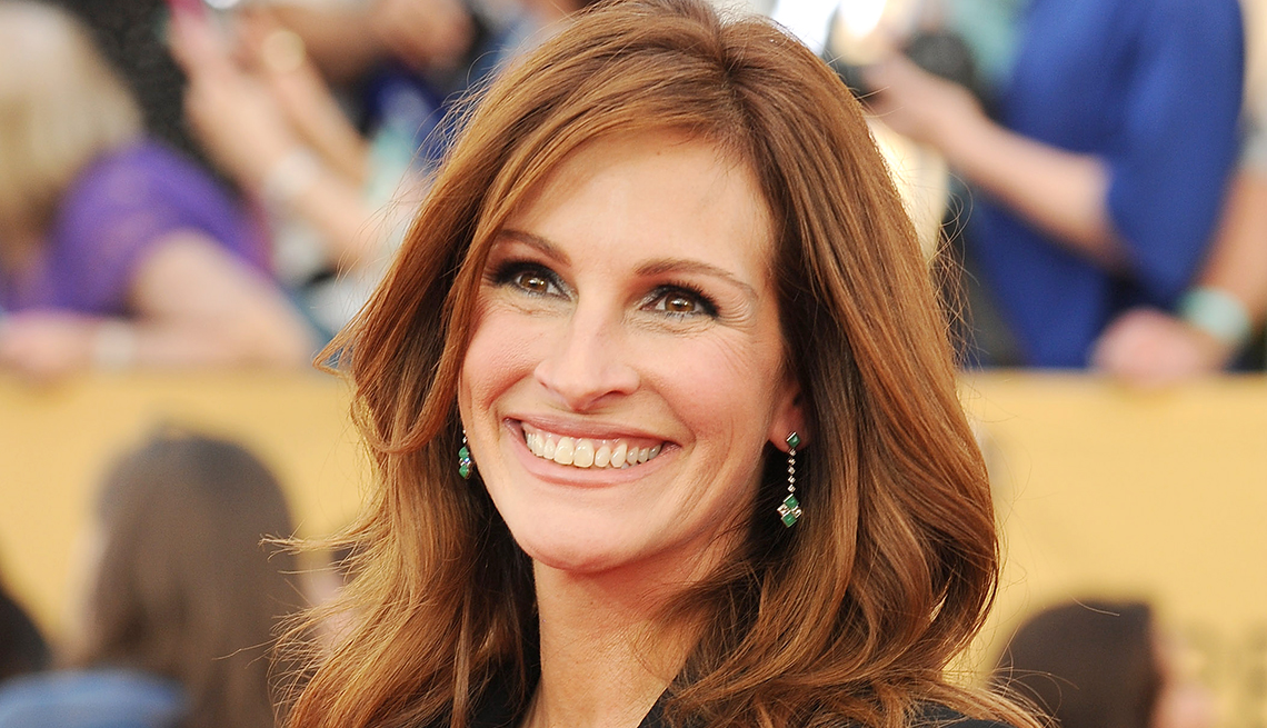 actress julia roberts smiling on the red carpet