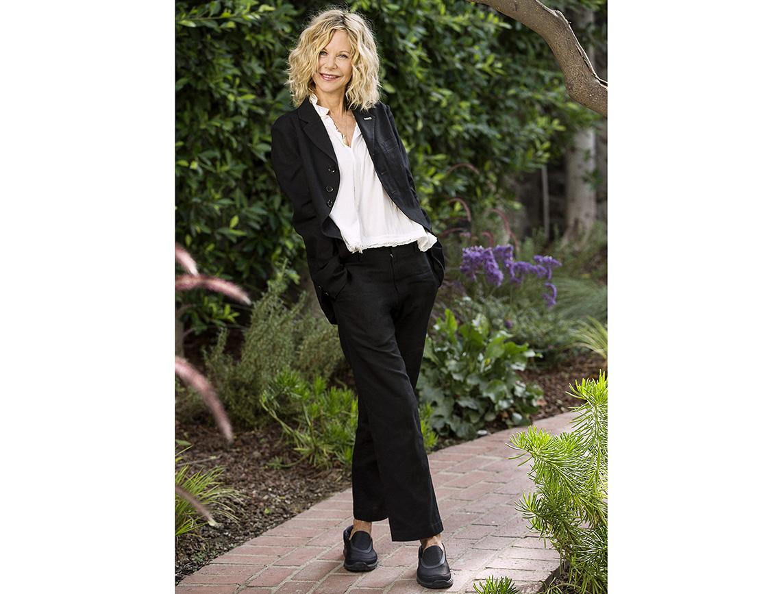 item 1 of Gallery image - Meg Ryan usando pantalones negros