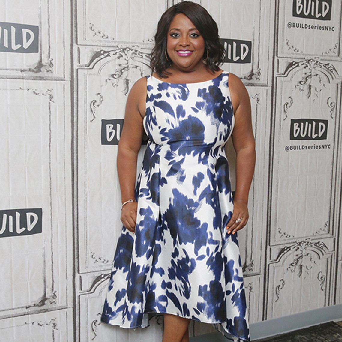 Sherri Shepherd in curvy dress