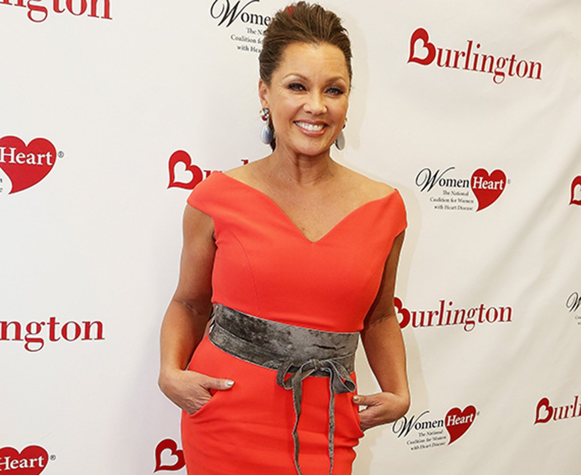 Vanessa Williams in a curvy dress.