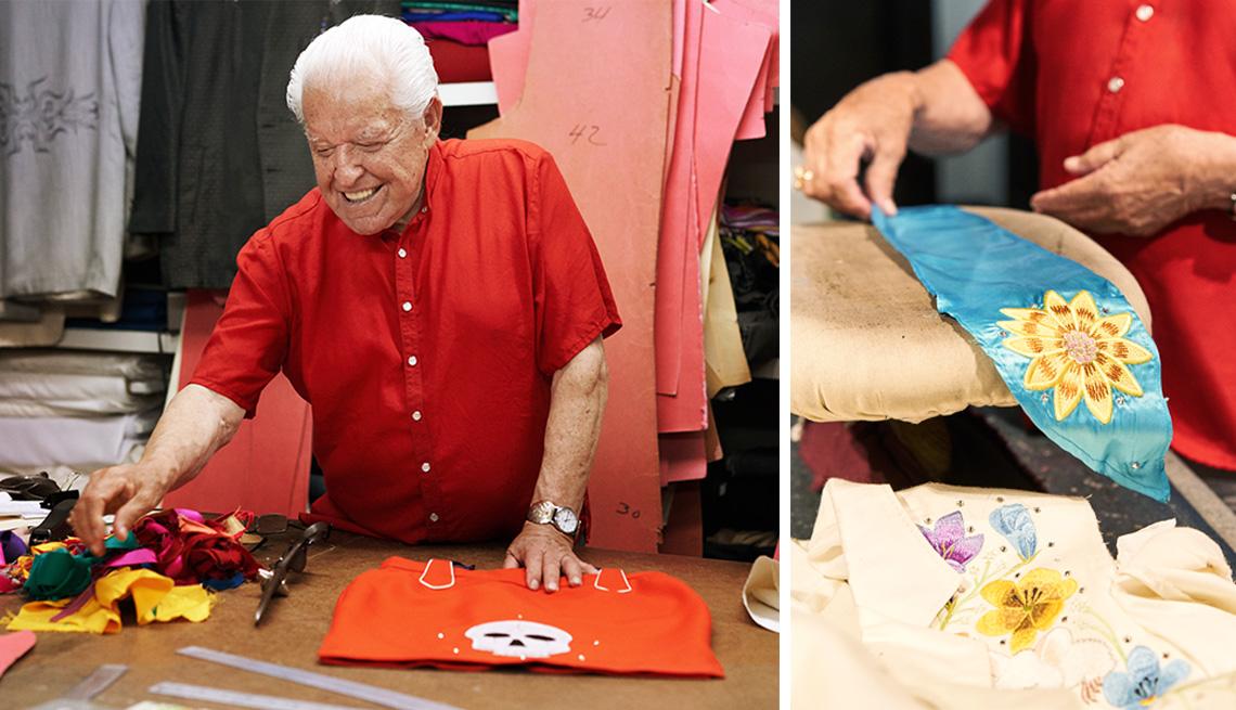 Manuel Cuevas diseñando ropa