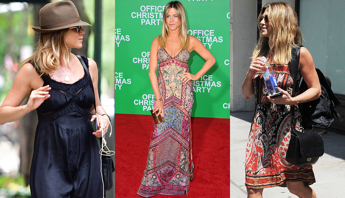 item 12 of Gallery image - Jennifer Aniston in a beach look